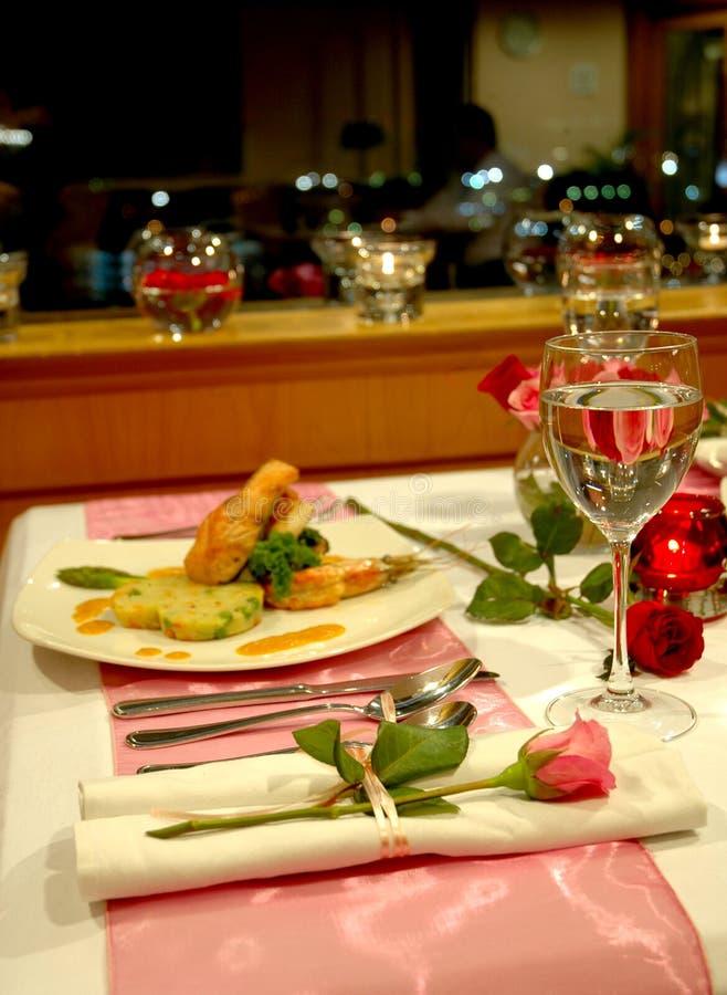 Het Diner van het kaarslicht stock afbeelding