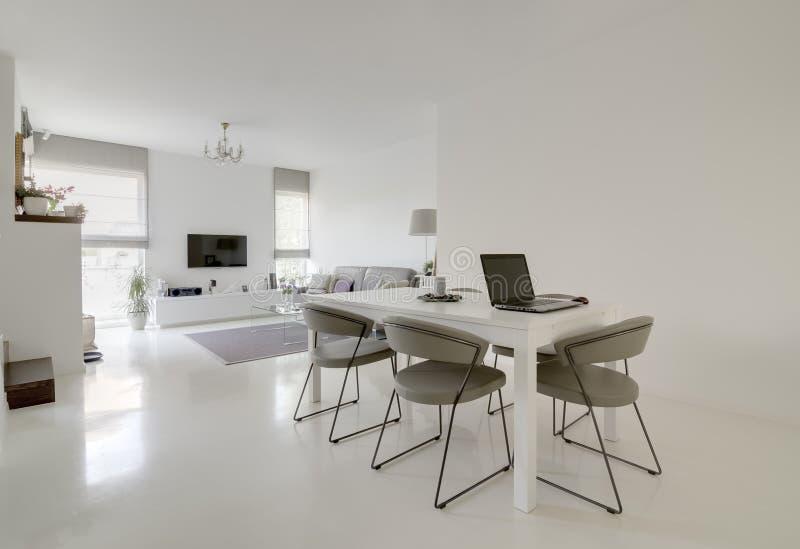 Het dineren en woonkamer royalty-vrije stock foto