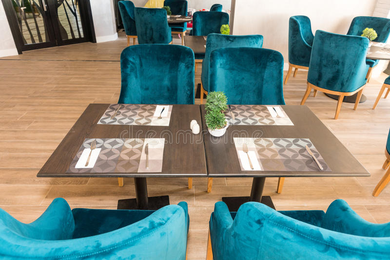 Het dineren gebied in het restaurant van het vijfsterrenhotel, Pomorie in Bulgarije royalty-vrije stock foto