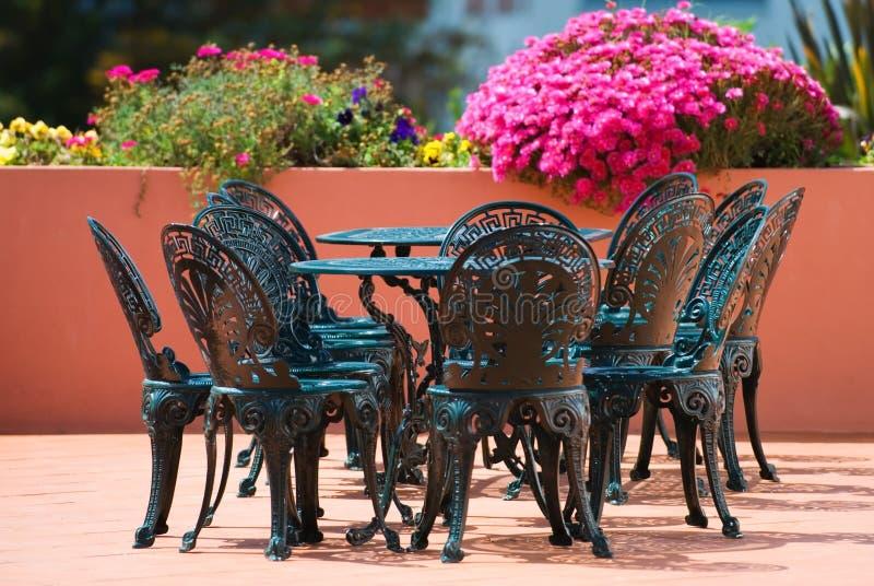 Het Dineren van het terras royalty-vrije stock afbeeldingen