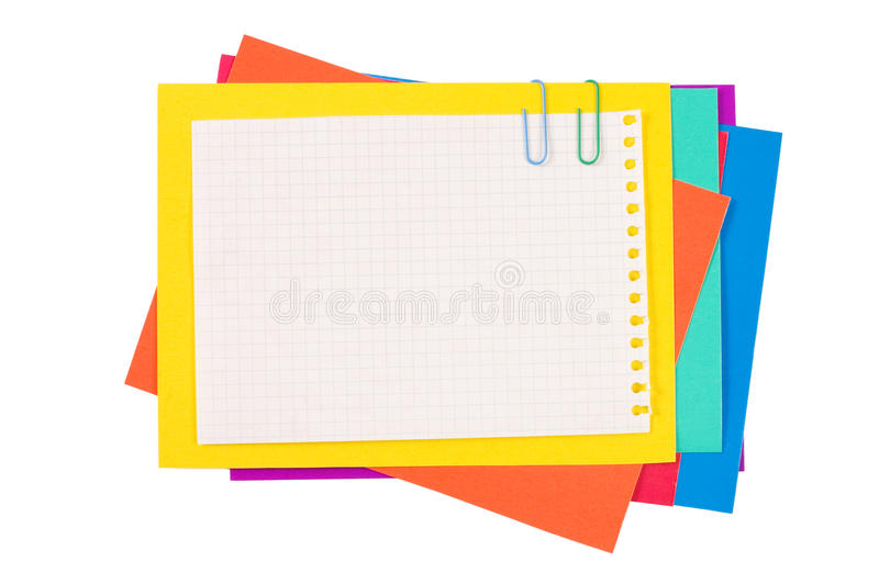 Het document van de kleur met een paperclip stock afbeeldingen