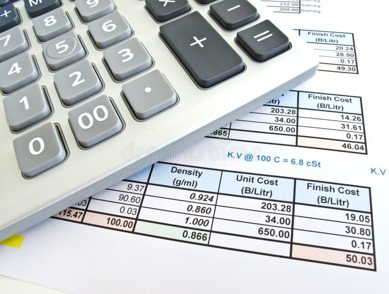 Het document en de calculator van gegevens stock foto