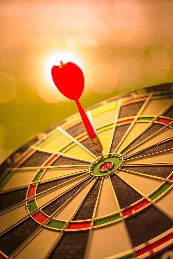 Het doel van het de concurrentiedoel van zaken en financi?n met samenvatting stock afbeeldingen