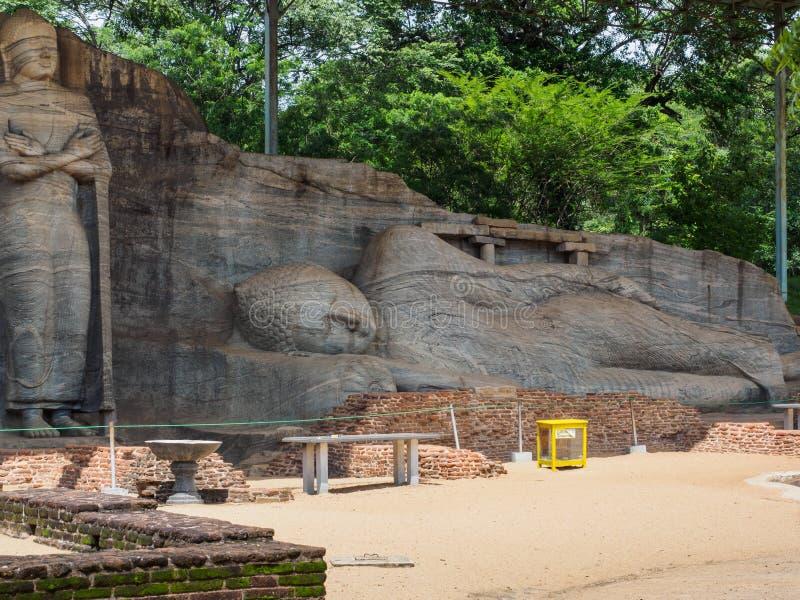 Het het doen leunen Boedha beeld bij de oude stad van Polonnaruwa, Sri Lanka royalty-vrije stock afbeeldingen