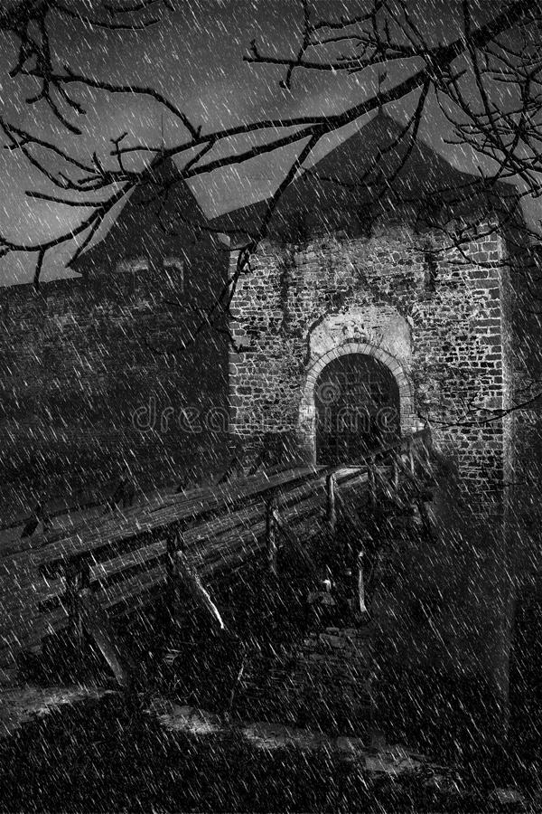 Het doen schrikken van oud kasteel in een onweersweer royalty-vrije illustratie