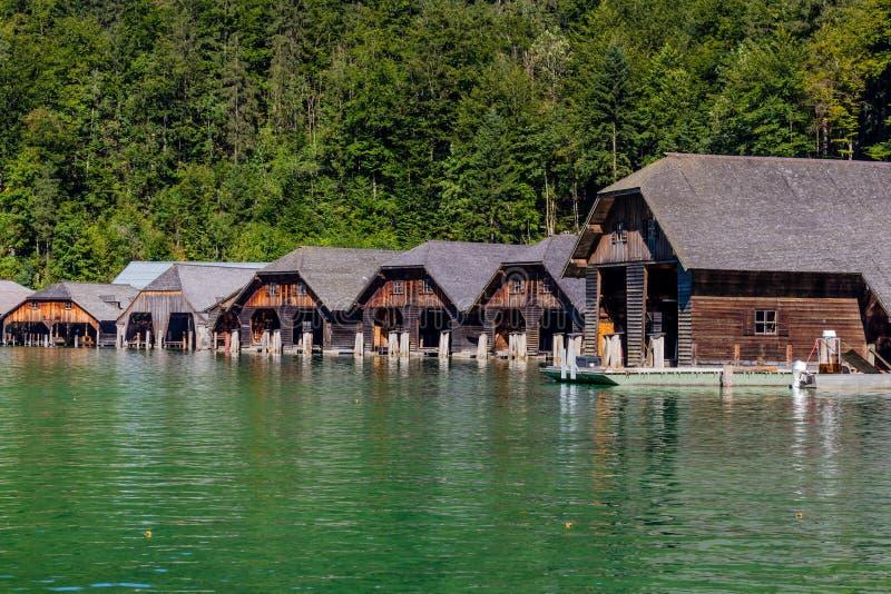 Het dok door meer Obersee, het Nationale Park van Konigsee, Beieren, Duitsland stock foto's