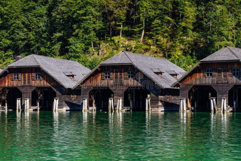 Het dok door meer Obersee, het Nationale Park van Konigsee, Beieren, Duitsland stock foto