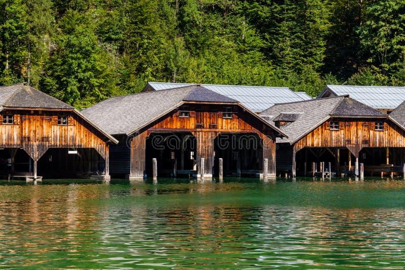 Het dok door meer Obersee, het Nationale Park van Konigsee, Beieren, Duitsland royalty-vrije stock foto's