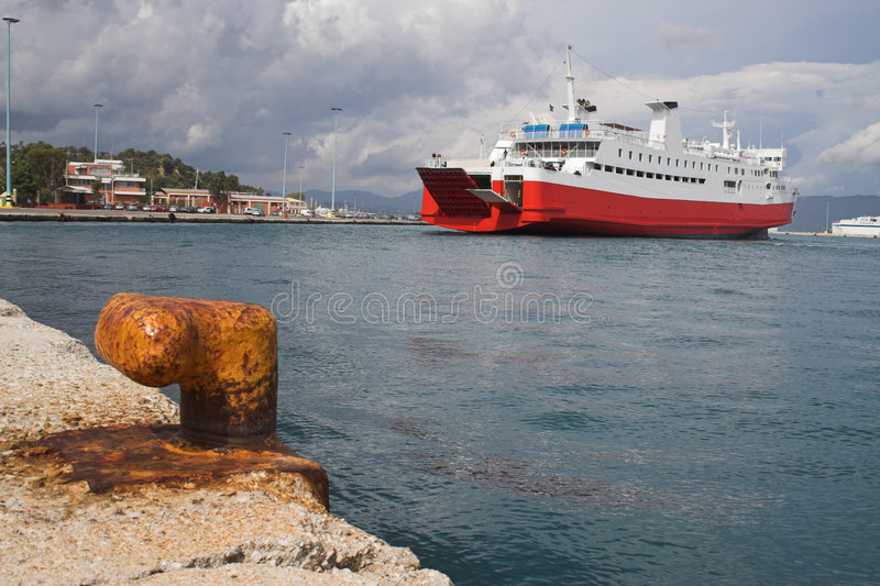 Het dokken van de veerboot royalty-vrije stock fotografie
