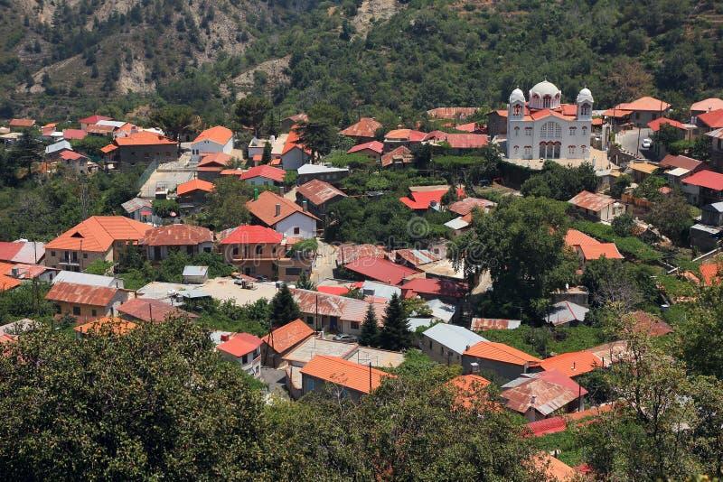 Het dorp in de Troodos-Bergen Paphos, Cyprus stock afbeeldingen