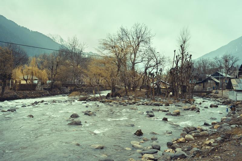 Het dorp Kashmir India Laripora in Pahalgam, dat erkend wordt als een paradijs op aarde royalty-vrije stock afbeelding