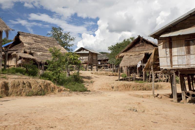 Het dorp Muang van Akha zingt, Laos stock foto