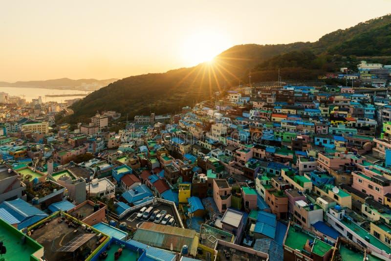 Het Dorp van de Gamcheoncultuur bij nacht in Busan, Zuid-Korea stock fotografie