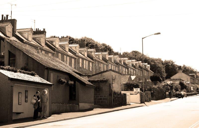 Het Dorp van de kust van St Ives, Cornwall, het UK Mening over oude stad met typische huizen in de zonneschijn van de middagzomer royalty-vrije stock fotografie