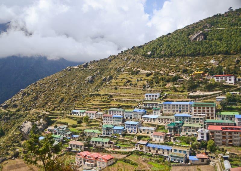 Het dorp van Himalayan van de Namchebazaar stock foto's