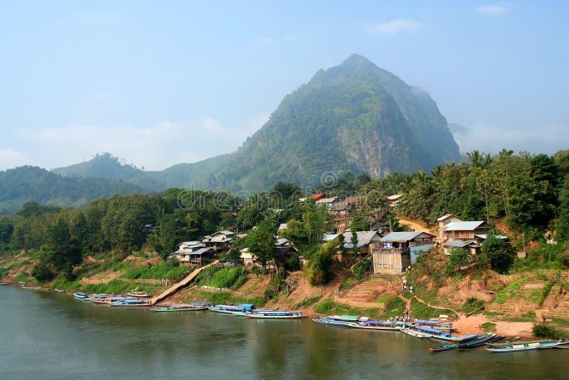 Het dorp van Khiaw van Nong stock foto's
