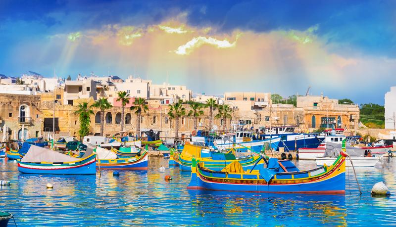Het dorp van Marsaxlokk in Malta royalty-vrije stock afbeeldingen