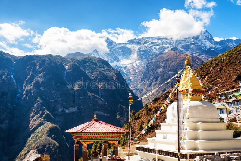 Het dorp van Namchebazar in Himalayagebergte, Nepal royalty-vrije stock foto
