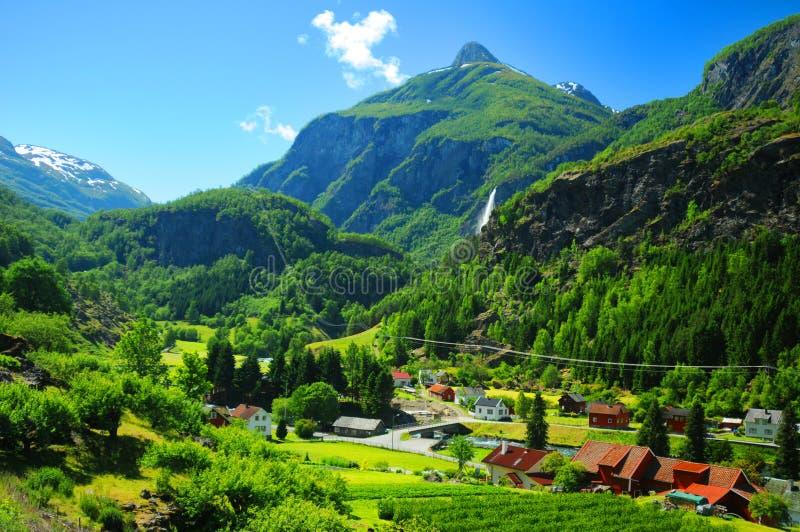 Het dorp van Noorwegen stock afbeeldingen