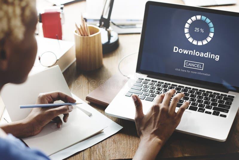 Het downloaden van het Online Concept van de Websitetechnologie royalty-vrije stock afbeelding
