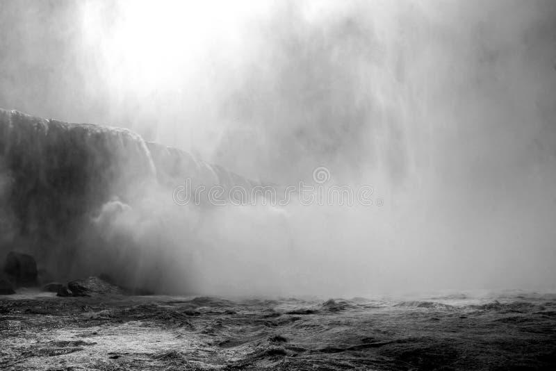 Het drama van Niagara Falls royalty-vrije stock afbeeldingen