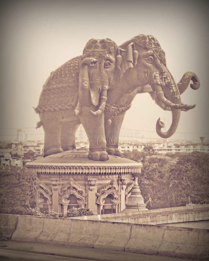 Het drie-geleide olifantsgebouw bij Erawan-Museum stock foto