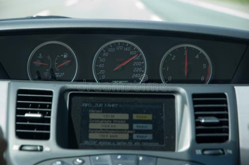 Het drijven van de hoge snelheid (Nissan) royalty-vrije stock foto's
