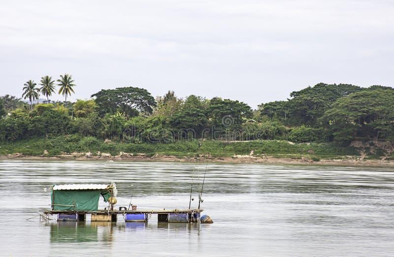 Het Drijven Visserij en hemel op de Mekong Rivier in Loei in Thailand stock afbeeldingen