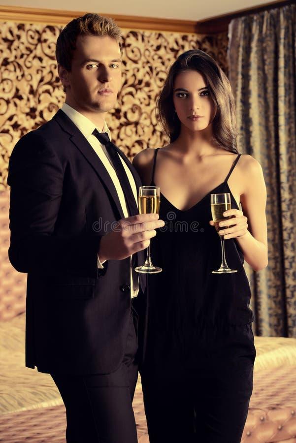 Het drinken Champagne stock afbeeldingen