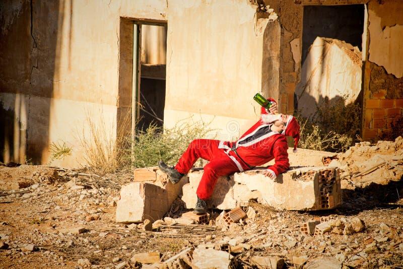 Het drinken Kerstman royalty-vrije stock afbeeldingen