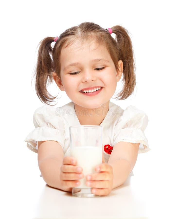 Het drinken van het meisje melk stock afbeeldingen