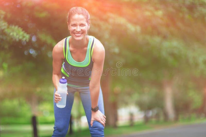 Het drinkwater van de atleet royalty-vrije stock fotografie