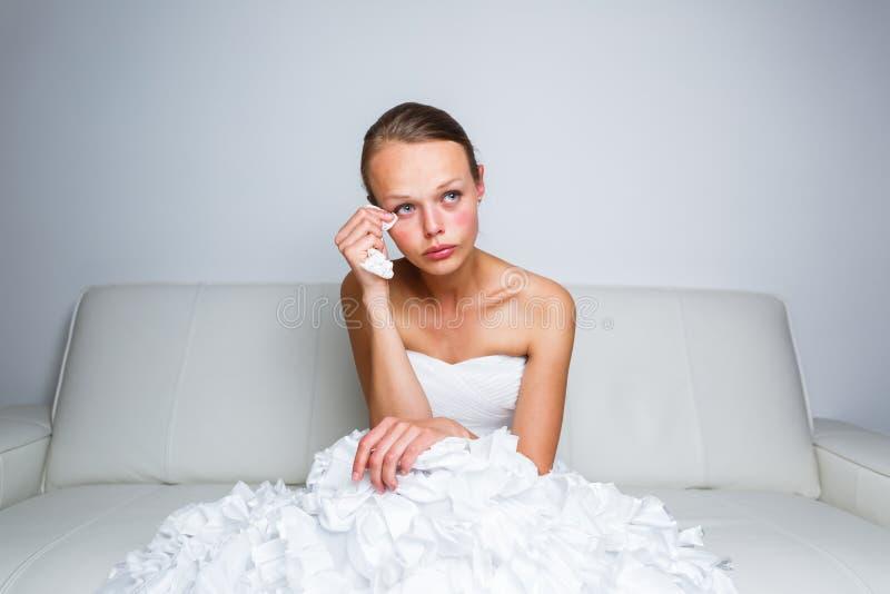 Het droevige bruid schreeuwen stock foto's