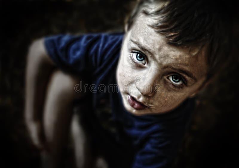 Het droevige kijken kindportret royalty-vrije stock foto's
