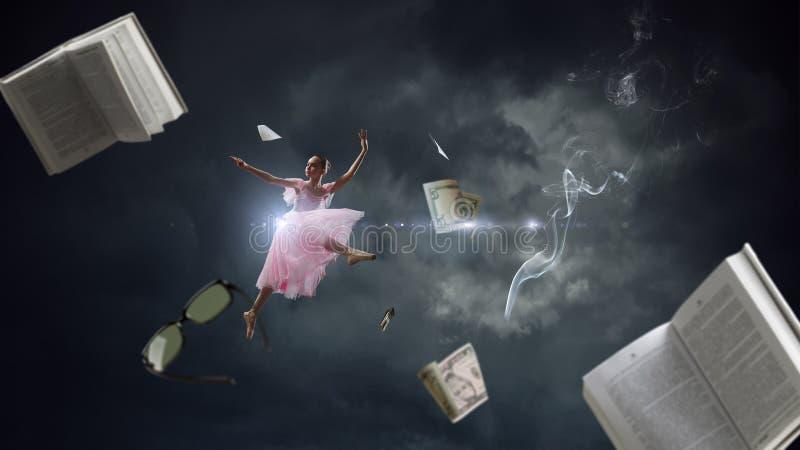 Het dromen om ballerina te worden Gemengde media stock afbeelding