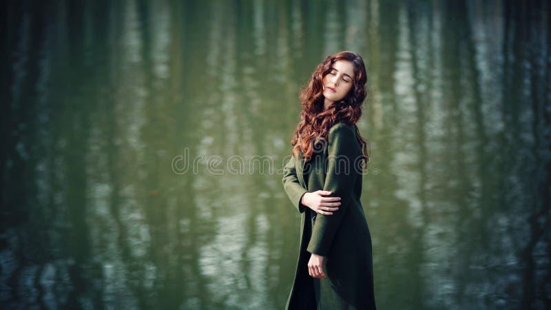 Het dromerige meisje royalty-vrije stock foto's