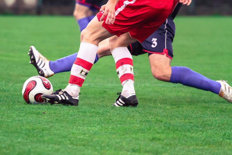 Het duel van het voetbal stock afbeelding