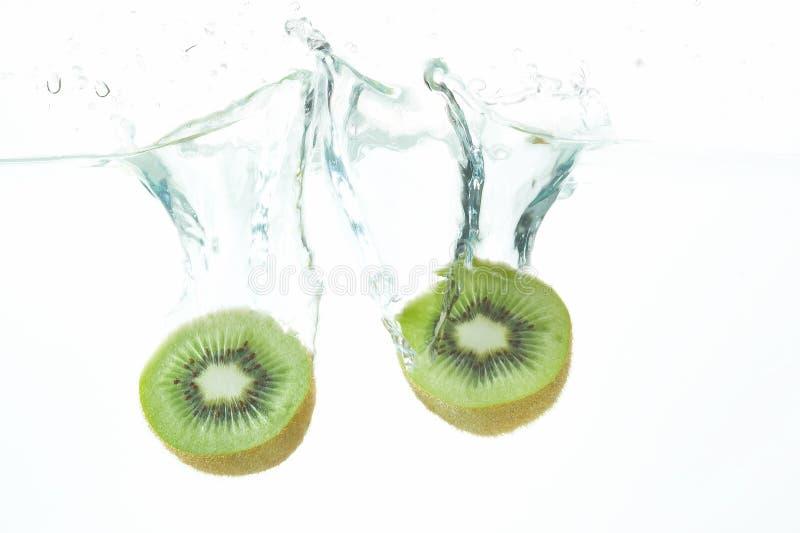 Het duiken kiwifruit royalty-vrije stock afbeeldingen