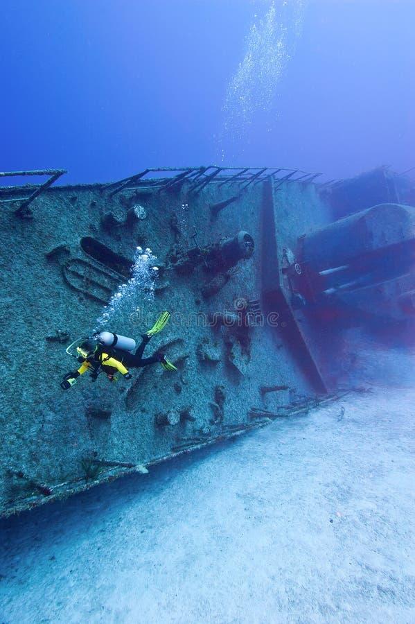 Het duiken op een oorlogsschip royalty-vrije stock foto's