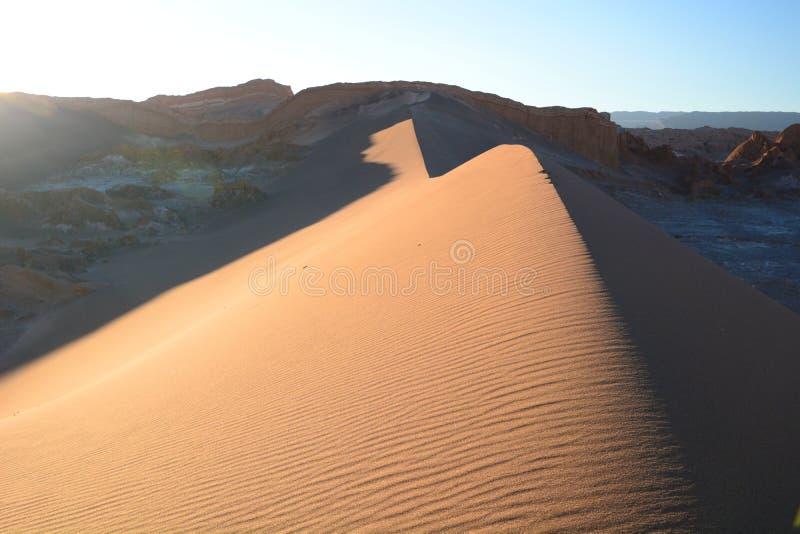 Het duin van het bodzand in Valle DE La Luna San Pedro de Atacama chili stock afbeeldingen