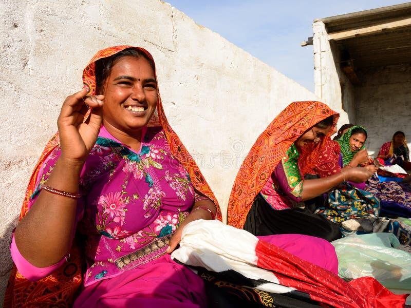 Het eenvoudige leven in het dorp op de woestijn in Gujarat royalty-vrije stock foto