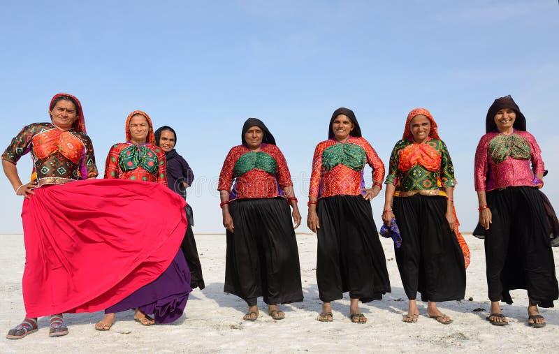 Het eenvoudige leven op de woestijn in Gujarat stock afbeeldingen