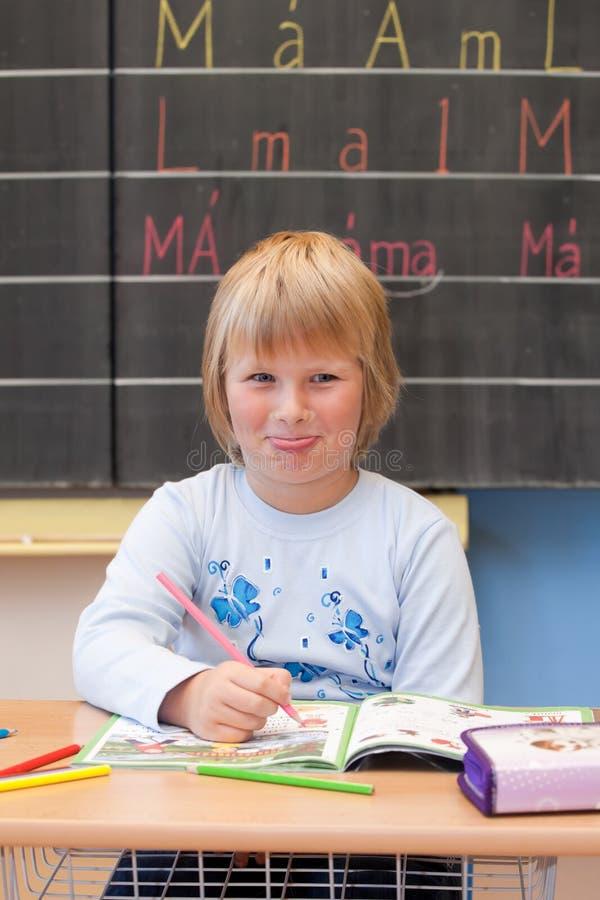 Het eerste jaarschoolmeisje royalty-vrije stock foto's