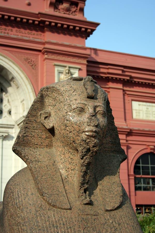 Het Egyptische Museum - Kaïro stock afbeeldingen