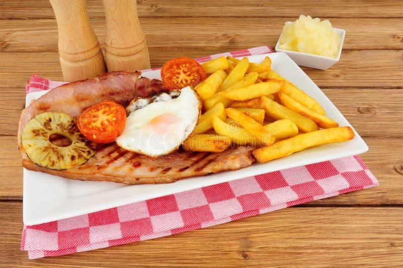 Het Ei en Chips Meal van Gammon royalty-vrije stock afbeelding