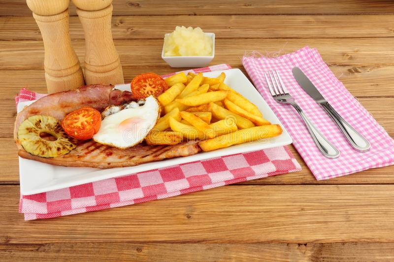 Het Ei en Chips Meal van Gammon royalty-vrije stock fotografie