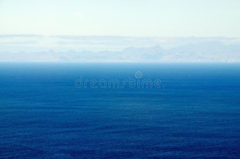 Het Eiland Santiago op zee royalty-vrije stock afbeelding