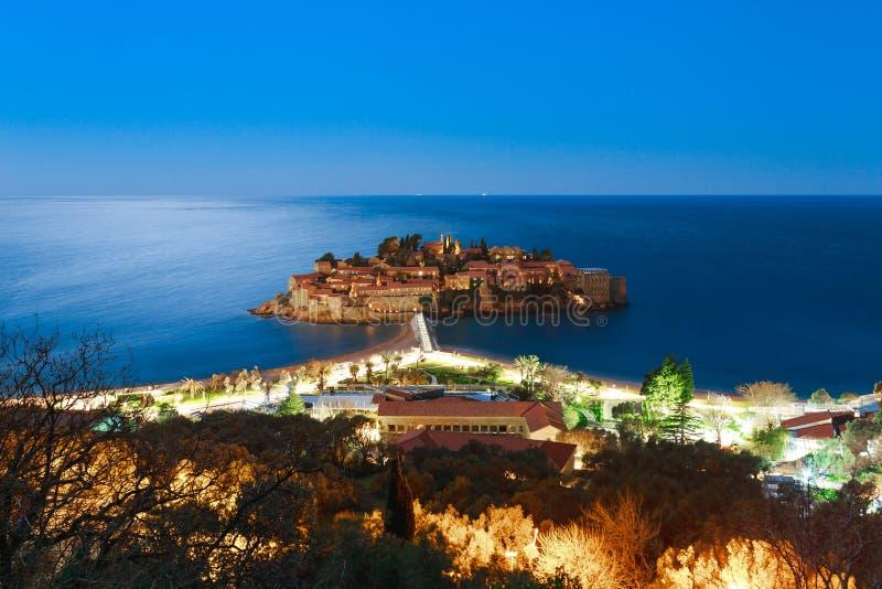 Het Eiland Sveti Stefan bij nacht Montenegro, Adriatisch Se stock foto