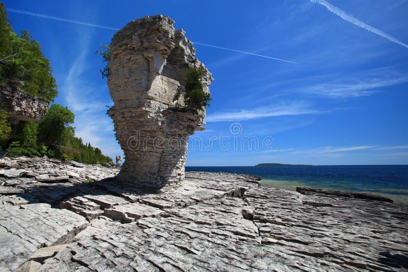 Het eiland van de bloempot in Tobermory, Ontario, Canada stock afbeelding