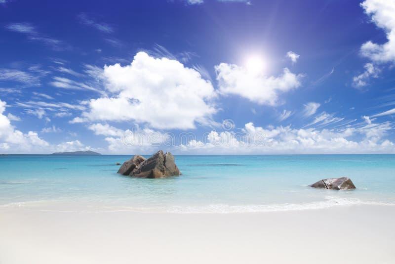 Het eiland van dromen. Rust en ontspanning. royalty-vrije stock afbeeldingen